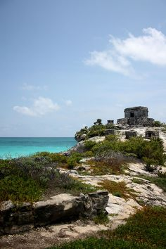 After Cancun, taking a bus that went straight to Tulum. This city is famous for all the Maya temples overviewing the ocean. After a bit of exploration and swimming, seat back and relax some margarita. Ceviches are delicious in this part of Mexico.