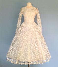 Vintage 1950s Short Lace Wedding Dress..Beautiful Tea Length Ivory Lace Wedding Dress X-Small