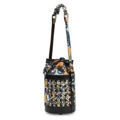 Handbags, small leather goods and home accessories with a sense of uniqueness and relaxed elegance. Kimono Pattern, Flower Bag, Small Leather Goods, Japanese Kimono, Flower Prints, Bucket Bag, Shoulder Bag, Handbags, Vienna