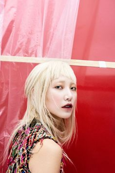 In this portfolio, photographer Peter Ash Lee shoots Soo Joo Park in the gothically beautiful fall collection by McQueen creative director Sarah Burton. Park Photography, Fashion Photography, Blonde Asian, San Francisco, Beyond Beauty, Korean Model, Hippie Chic, Mode Style, Chic Wedding