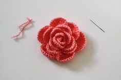 Crochet roses. different sizes available. free crochet pattern.