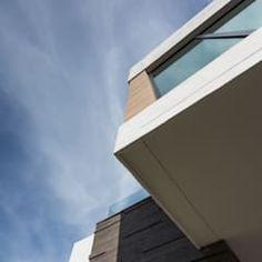 Detalle de exterior: Casas de estilo minimalista por URBN