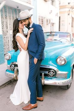 Wedding Poses Chic and modern Havana, Cuba elopement wedding love session photo shoot with vintage cars in Havana, Cuba. - Chic and modern Havana, Cuba elopement wedding love session photo shoot with vintage cars in Havana, Cuba. Vintage Wedding Photography, Vintage Wedding Photos, Professional Wedding Photography, Wedding Photography Styles, Photography Poses, Fashion Photography, Cuba Wedding, Elope Wedding, Elopement Wedding