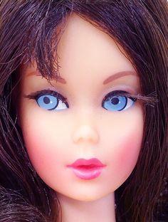 Amazing  Vintage Brunette Twist 'N Turn Flip Barbie Doll MINT