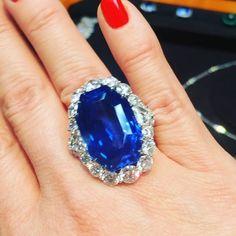 Did someone say 46 carat natural Sapphire?  #insidebg #bergdorfgoodman #bayco #sapphire #gem #diamond #diamonds #natural #stone #luxury #royalty #sparkle #shine #fabulous #glam #quality #beautiful #ring @baycojewels #newyorkcity #goals #blue #love