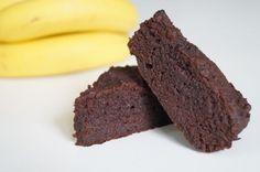 Lækker, saftig choko-banankage, uden mel og sukker. Ideel dessert hvis du følger low carb eller lchf principperne og har lyst til banankage med chokolade