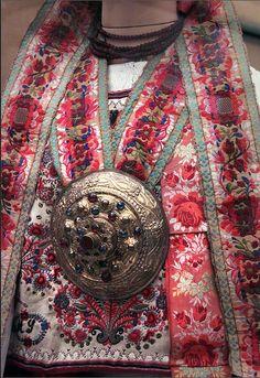 """Detail - Saxon girl from Transylvania, Szelindek, Szeben county, 1892 @ Ethnographical Museum"""" Budapest Folk Fashion, Ethnic Fashion, Hungary History, Folk Clothing, Hungarian Embroidery, Tribal Dress, Wedding Costumes, Folk Costume, Festival Wear"""