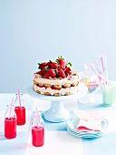 Marsala-Schokoladen-Torte mit Erdbeeren - StockFood