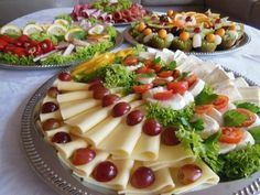 The eye eats with: 51 creative ideas for cold plates – house decoration more Kombination Kalte Platten - Everything About Appetizers Party Finger Foods, Snacks Für Party, Party Buffet, Party Platters, Brunch Buffet, Brunch Recipes, Breakfast Recipes, Brunch Food, Brunch Party