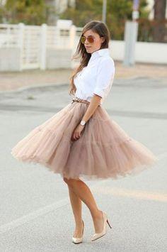 Tulle Midi Skirt in Caramel- Ways to wear the midi tulle skirts http://www.justtrendygirls.com/ways-to-wear-the-midi-tulle-skirts/