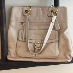 Coach handbag EUC only used a couple of times no dust bag Coach Bags
