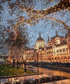 Winter magic at the Parliament (Budapest, Hungary) Beautiful World, Beautiful Places, Amazing Places, Wonderful Places, Wonderful Time, Places Around The World, Around The Worlds, Destinations, Wanderlust