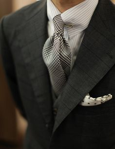 I'm not normally a fan of this type of tie clip but this combination really works.