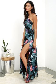 Lulus Exclusive! With the Next-Door Neighbor Black Floral Print Backless Maxi Dress in your repertoire, you'll be a dream come true! Gorgeous…