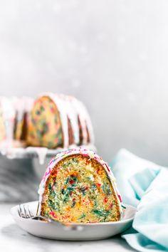 Funfetti Bundt Cake - Truffes et tendances - Funfetti Cake Cake Truffles, Cupcake Cookies, Cupcakes, Cupcake Recipes, Dessert Recipes, Desserts, Funfetti Cake, Angel Food Cake, Gorgeous Cakes