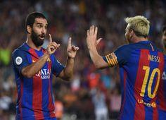 Arda celebra el gol con Messi.