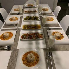 Hayırlı akşamlar 🤗 Bugün menüde  Kuru fasulye pilav Milli Yemeğimiz 😅 Turşu ayran salata var 🥗 #kurufasulyepilav #akşamyemeği #ayran #salatatarifleri  #turşu #yoreselyemekler #yemekdeyiz #ailem 🍛🍛🍛🍽 Sola kaydırarak bakabilirsin 😍 Quick Vegan Meals, Vegan Recipes, Cooking Recipes, Dinning Table Set, Dining, Tapas, Iftar, Turkish Recipes, Deco Table