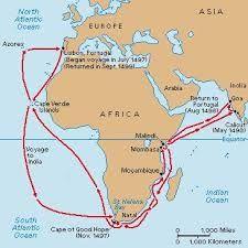 Verder noordwaarts deed de vloot op 2 maart de eerste echte havenplaats aan, het Ilha de Moçambique. Deze plaats dreef regelmatige handel met India en Arabië en de islamitische sultan was dan ook niet onder de indruk van da Gama's beperkte geschenken: een rode hoed, tinnen belletjes en koperen armbanden. Da Gama's expeditie was beter uitgerust als ontdekkingsvloot dan als handelsvloot. De sfeer werd al snel vijandig en da Gama vertrok onder het afvuren van zijn kanonnen.