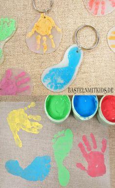 Schlüsselanhänger basteln für Muttertag oder Vatertag . Basteln mit Kindern und Kleinkindern.