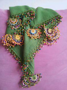 oyalı fular Viking Tattoo Design, Viking Tattoos, Cotton Crochet, Crochet Shawl, Duppata Style, Hairstyle Trends, Saree Tassels Designs, Sunflower Tattoo Design, Moda Emo