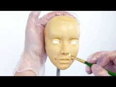 Learn how to make human faces out of edible materials! Perfect for cake deocrators but also a great lesson for other mediums. Cake Structure, Human Faces, Modeling Chocolate, Afghans, Biscuit, Fondant, Sculpting, Icing, Blankets