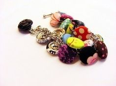 Button Bracelet  •  Free tutorial with pictures on how to make a button bracelet in under 20 minutes
