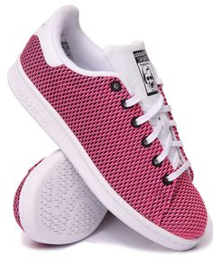 Find Stan Smith J COLOR SHIFT SNEAKERS (3.5-7) Girls Footwear from Adidas & more at DrJays. on Drjays.com