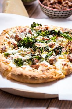 Broccoli Rabe, Sausage and Ricotta Pizza from The Girl In The Little Red Kitchen Broccoli Rabe And Sausage, Fancy Pizza, Eat Pizza, Pizza Recipes, Dinner Recipes, Flatbread Recipes, Cheese Recipes, Ricotta Pizza, Frases
