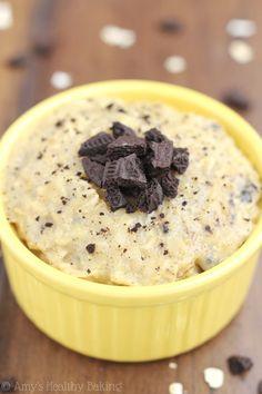Skinny Cookies 'n Cream Oatmeal -- an easy 4-ingredient recipe! This healthy breakfast actually tastes like dessert!