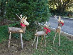 Christmas Yard, Rustic Christmas, Christmas Projects, All Things Christmas, Vintage Christmas, Christmas Ornaments, Lawn Ornaments, Wooden Reindeer, Navidad Diy