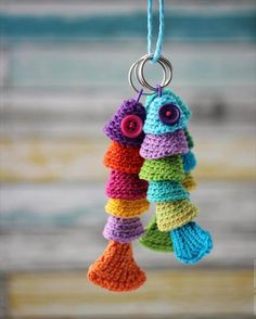 crochet-pattern-fish-keychain