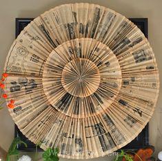 Making this vintage newspaper wreath/ paper accordion medallion is easy.  www.whatsurhomestory.com