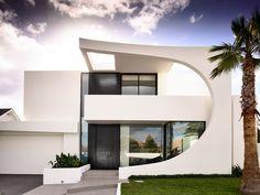 Cosham Street House von Martin Friedrich Architects in Brighton, Australien Architects Melbourne, Melbourne Architecture, Contemporary Architecture, Architecture Design, Brighton Houses, House Front Design, Minimal Home, Street House, Facade House