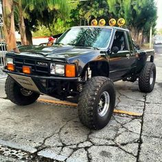 Marty Mcfly racetruck, so cool! Toyota Hilux, Toyota Prerunner, Toyota Autos, Bmw Autos, Mini Trucks, Custom Trucks, Cool Trucks, Pickup Trucks, Cool Cars