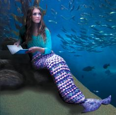 mermaid tail crochet afghan free pattern From Amazing Crochet Mermaid Tail Blanket Patterns Tutorial Crochet Mermaid Tail Pattern, Mermaid Tail Blanket Pattern, Crochet Mermaid Blanket, Mermaid Blankets, Mermaids Pattern, Mermaid Afghan, Free Crochet, Knit Crochet, Crochet Ideas