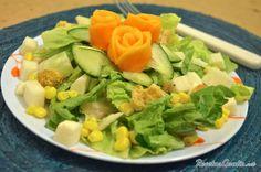 Aprende a preparar ensalada de elote y jícama con esta rica y fácil receta.  Quédate en RecetasGratis.net y aprende cómo hacer ensalada de elote y jícama, una rica y...