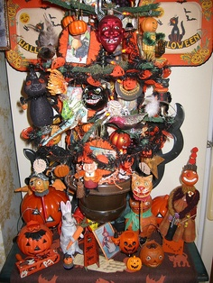 halloween tree by Debra Schoch