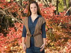 FREE vest pattern from Classic Elite with cabled edges as the perfect layering piece. The cable begins at the center back, wraps around to the front, turns the corner using short rows within the cable pattern, resulting in cables that continue uninterrupted up the fronts.