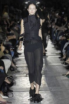 Rick Owens Spring 2007 Ready-to-Wear Fashion Show - Solange Wilvert Fashion Show, Fashion Design, Rick Owens, Ready To Wear, Vogue, Spring Summer, Model, How To Wear, Beauty