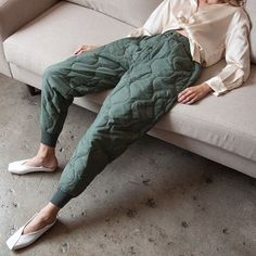 Casual Fall Look – Fall Must Haves Collection. 52 Top Casual Style Ideas To Rock This Season – Casual Fall Look – Fall Must Haves Collection. Looks Style, Looks Cool, Style Me, Green Style, Mode Outfits, Fashion Outfits, Womens Fashion, Fashion Trends, Fashion Clothes