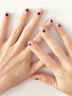 Minimal Nails: Dots