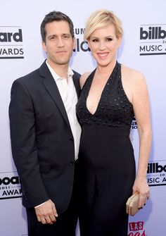 Pin for Later: Le Tapis Rouge des Billboard Awards Était Très Impressionnant Molly Ringwald et Panio Gianopoulos
