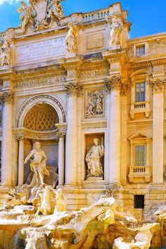 Fontana di Trevi--i put coins in there and still no Prince Charming!