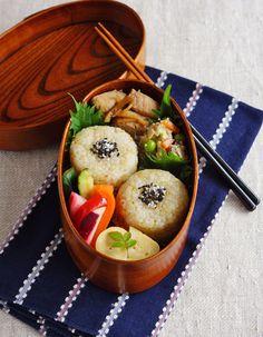Brown rice ball bento/玄米おにぎり弁当