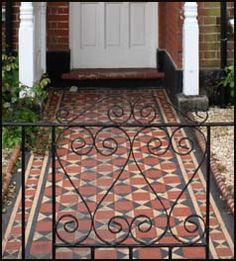 encaustic tiles – edwardian feature to somehow incorporate (in the porch/conservatory) - Dmitrends Edwardian House, Victorian Rooms, Porch Tile, Front Path, Tile Steps, Tiled Hallway, Hall Flooring, Quarry Tiles, Garden Doors