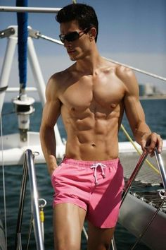 trendy-short-swim-trunks-for-men- 2