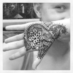 e6470b4426cf7 How to Make Henna for Temporary Tattoos How To Make Henna