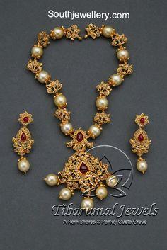 Uncut Diamond Necklace latest jewelry designs - Page 31 of 110 - Indian Jewellery Designs Gold Jewellery Design, Gold Jewelry, Beaded Jewelry, Gold Necklaces, Diamond Jewellery, Jewelry Art, Diamond Necklace Set, Pearl Necklace, Uncut Diamond