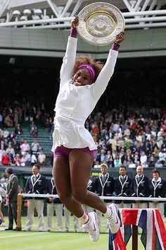 Serena Williams ties sister Venus with her 5th Wimbledon title while hitting a tournament-record 102 aces.