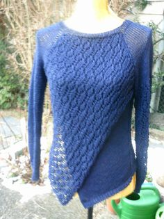 Strick-Pullover in Wickeloptik gearbeitet, marine von Meine Strickerei auf DaWanda.com
